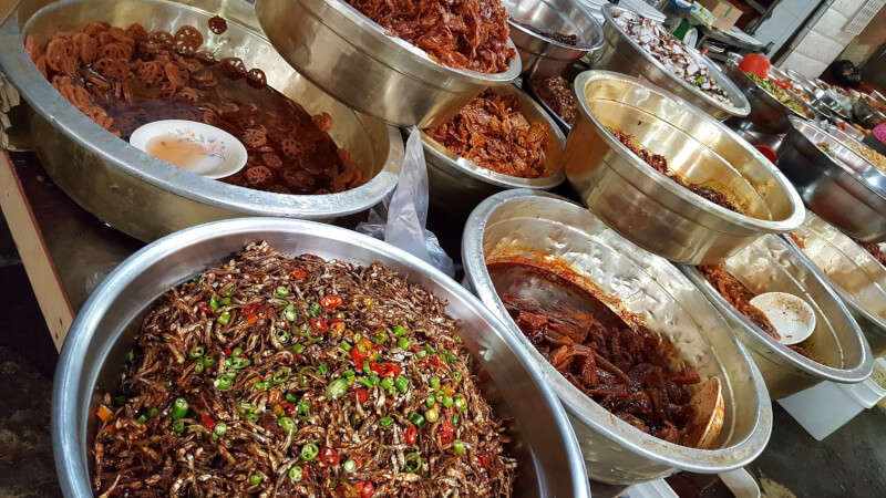 チャガルチ市場のお惣菜