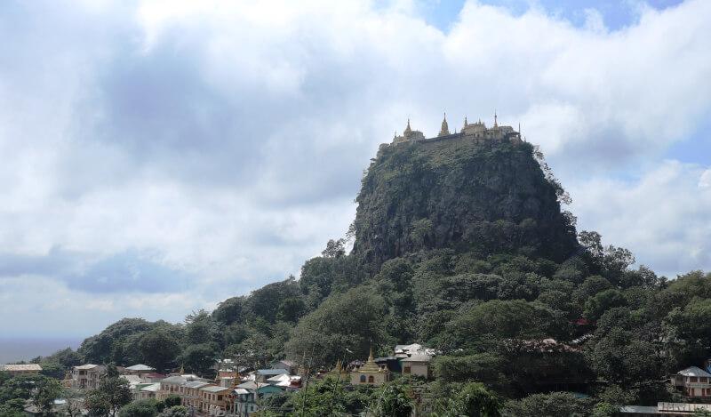ポッパ山(Mount Popa)